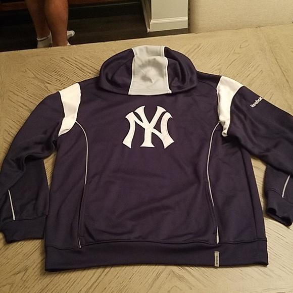 huge discount d0478 d6056 Men's Reebok NY Yankees Hoodie